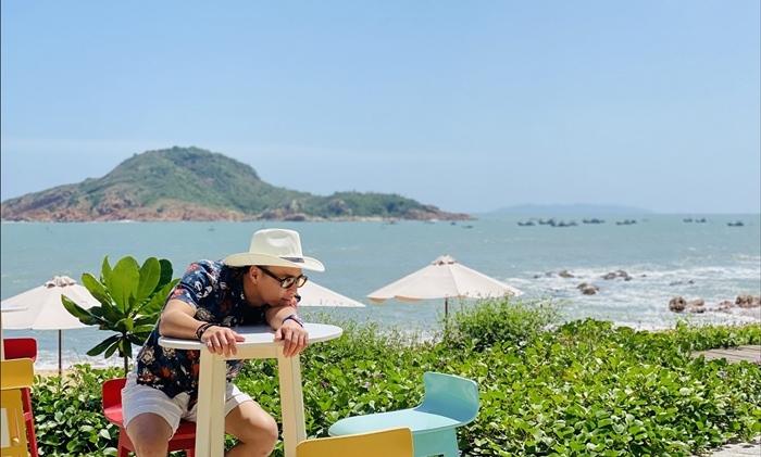Sao 25/7, Phượng Chanel chụp ảnh thân thiết cùng Ngọc Trinh