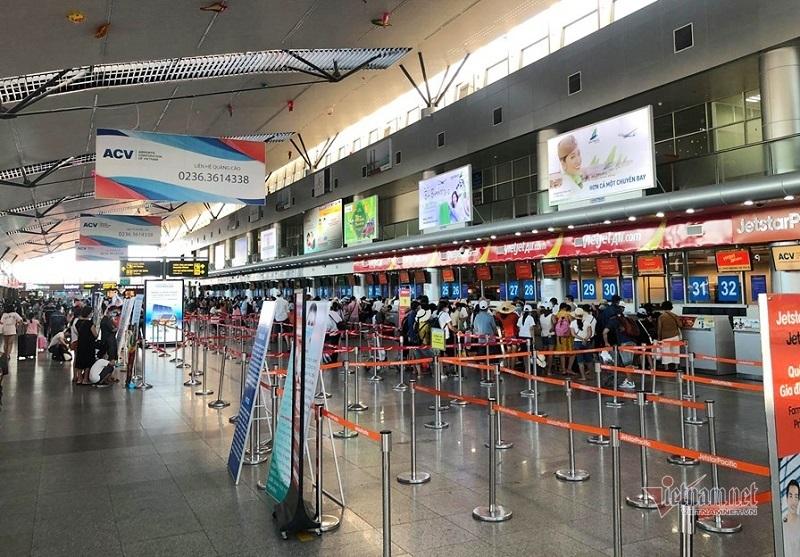 Đà Nẵng bác thông tin du khách đồng loạt hủy tour, sân bay vỡ trận