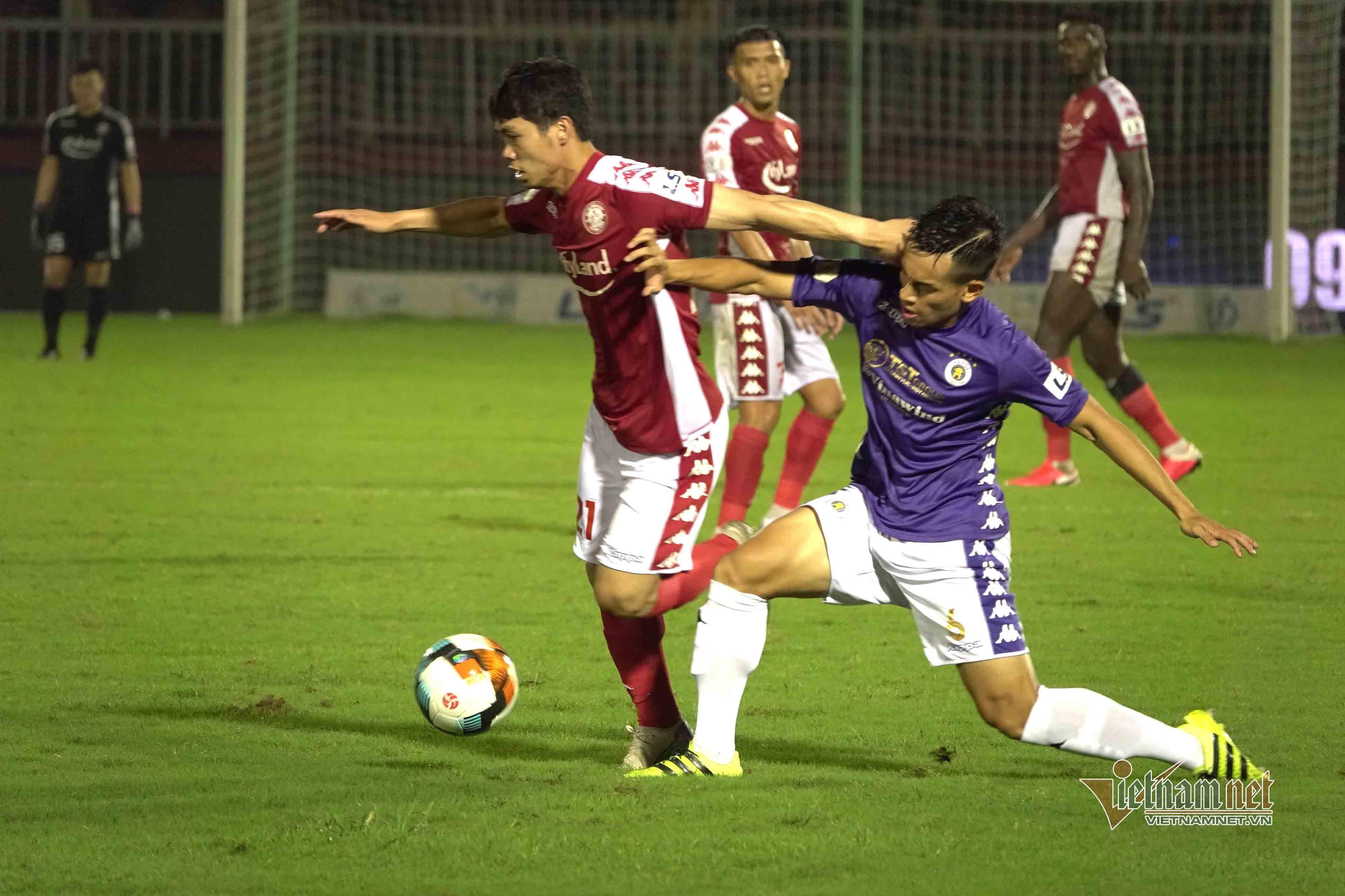 V-League sắp trở lại, thầy Park chờ 'quà' từ Văn Hậu