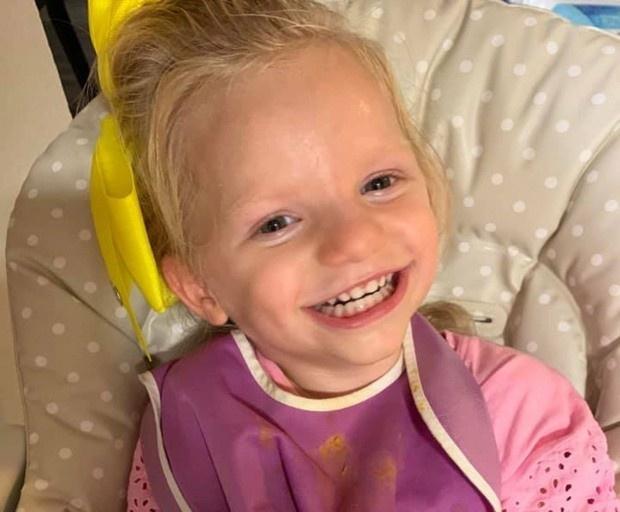 Cuộc sống của bé gái người Mỹ mắc 'hội chứng thiên thần'