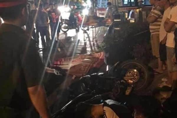 Bị nhóm quái xế tông, nam hành khách xe ôm tử vong tại chỗ