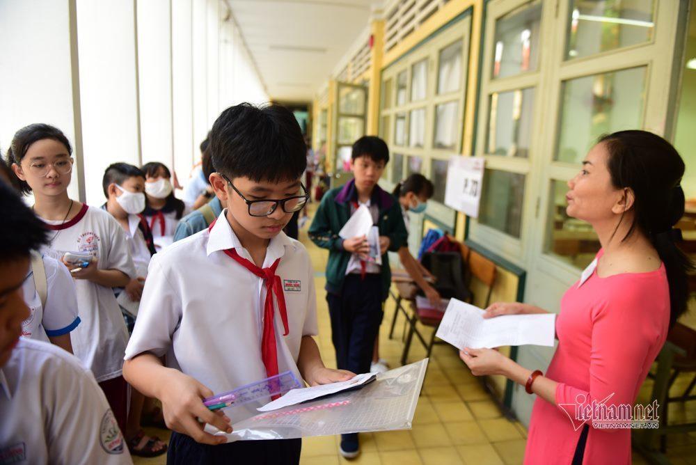 Lo 'vỡ trận' nếu Hà Nội dừng tuyển song bằng lớp 6