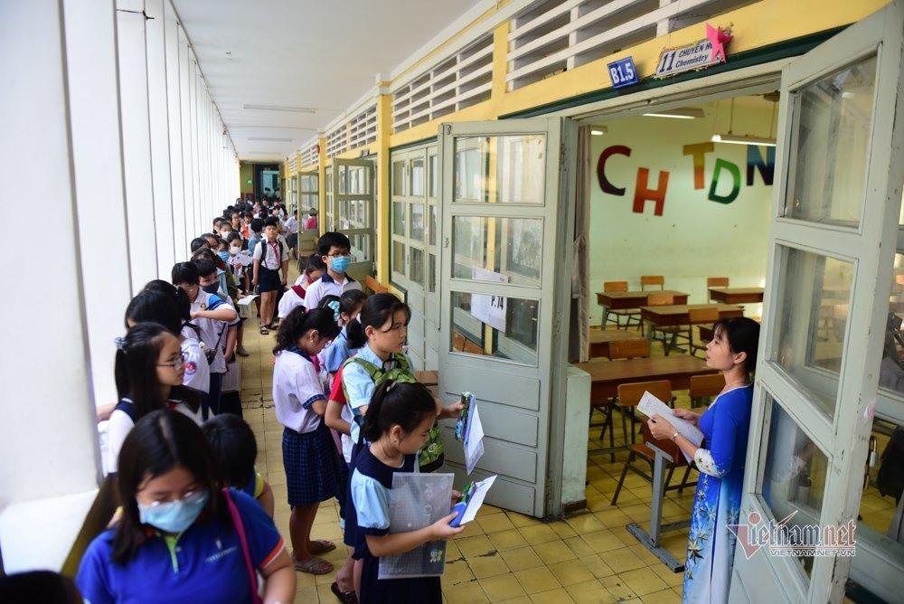 Gần 4.000 thí sinh đua giành suất vào lớp 6 trường chuyên ở Sài Gòn