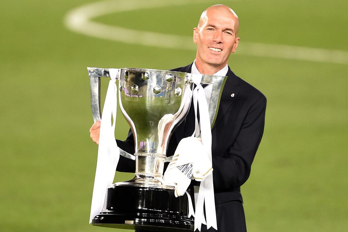 Juventus chào mời HLV Zidane bằng lương kỷ lục