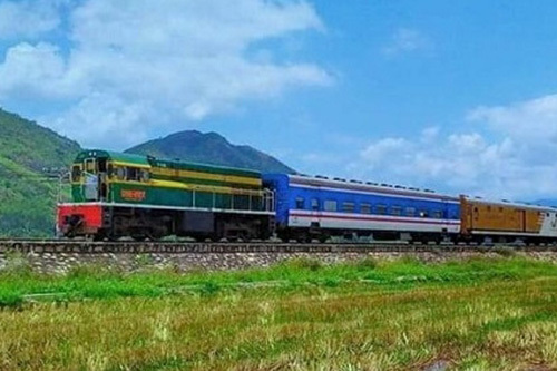 More Hanoi - HCM City trains to be reopened