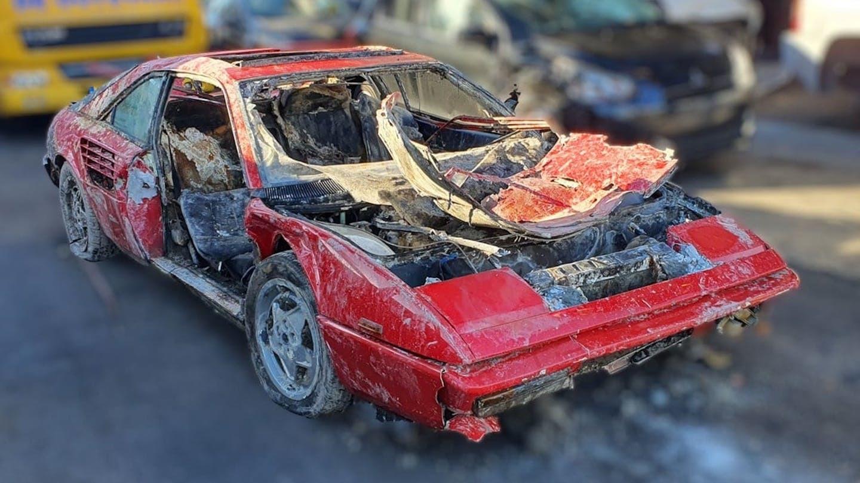 """Siêu xe Ferrari được tìm thấy dưới lòng kênh sau 26 năm """"mất tích"""""""
