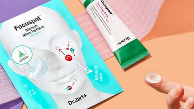 'Maskne' and bold makeup: How masks are changing how we look