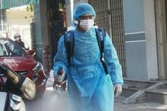 Gõ cửa từng nhà, khử khuẩn ngõ ngách gần nơi ở của bệnh nhân số 418