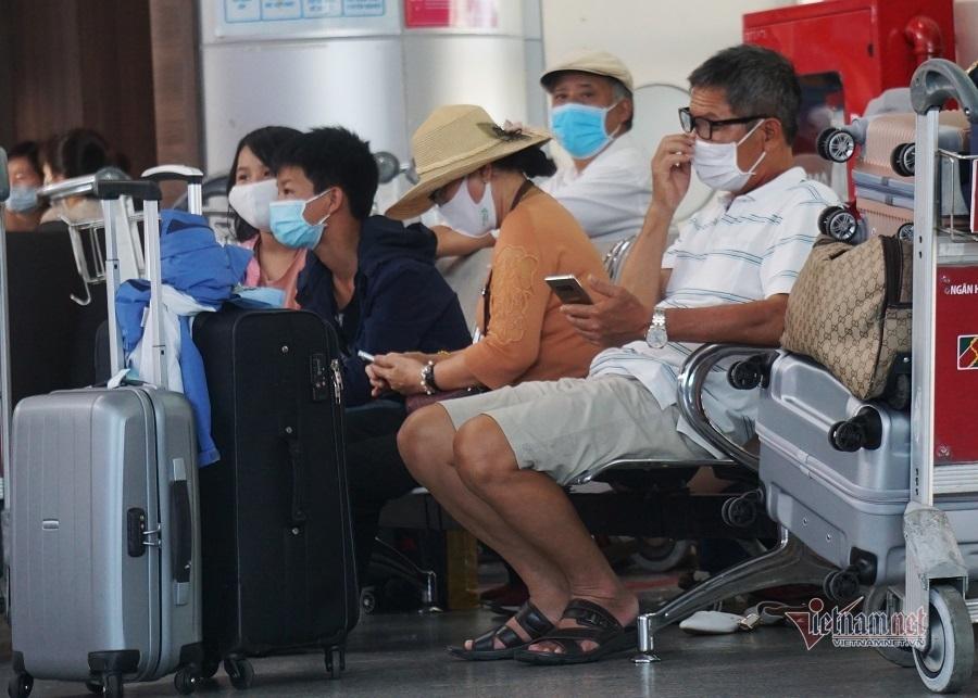Các hãng bay tăng chuyến hỗ trợ du khách rời Đà Nẵng