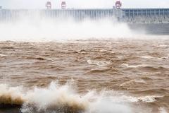 Sông Dương Tử hứng trận lũ thứ 3, đập Tam Hiệp chịu thêm sức ép