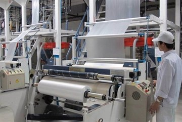 Vietnam imposes tariffs on foreign plastic film
