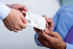 Phú Thọ: Tặng thẻ Bảo hiểm Y tế cho hộ cận nghèo