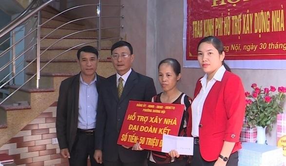 Hà Nội: Bàn giao kinh phí hỗ trợ xây dựng 90 nhà Đại đoàn kết tại 8 huyện