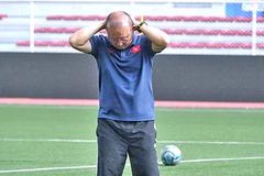 V-League lại tạm dừng, lo ngay ngáy rồi thầy Park