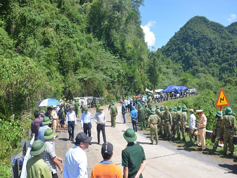 Khởi tố vụ lật xe khách ở Quảng Bình khiến 15 người chết