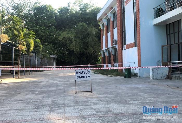 Phong tỏa bệnh viện, khu vực nhà bệnh nhân 419, tạm dừng nhiều dịch vụ