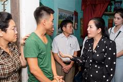 Đinh Hiền Anh giúp bệnh nhân ung thư xóa nợ ngân hàng