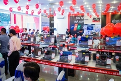 VN stocks under pressure as virus cases weigh on market sentiment