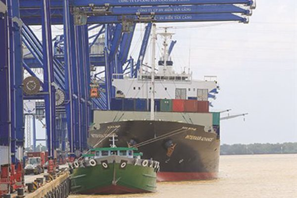 Vietnam's trade surplus continued to grow in H1 despite Covid-19
