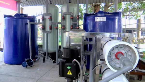2 hệ thống lọc nước nhiễm mặn tặng người dân Tiền Giang