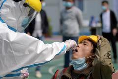 Trung Quốc tăng ca nhiễm, Cố vấn an ninh quốc gia Mỹ nhiễm Covid-19