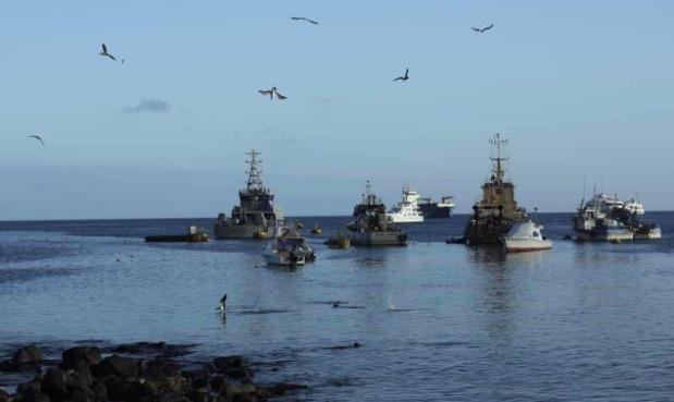 Hàng trăm tàu Trung Quốc gần quần đảo Galapagos, Ecuador báo động