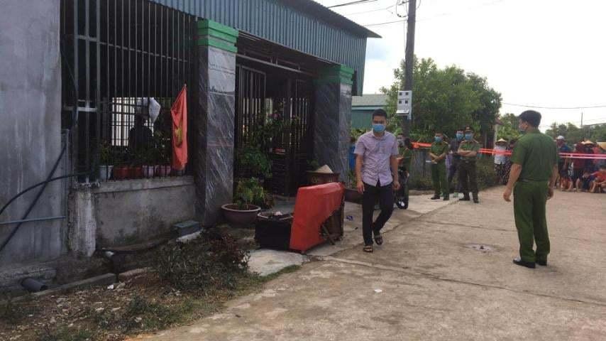 Thêm một người chết trong vụ mẹ khóa cửa tẩm xăng đốt ba con tự sát
