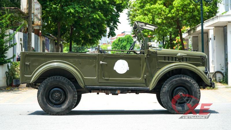 Dân chơi chi 400 triệu, xe Liên Xô 48 năm tuổi hồi sinh như mới