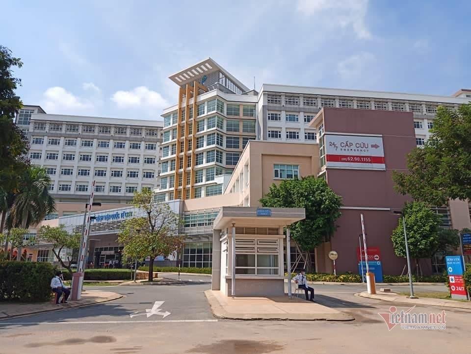 TP.HCM phong tỏa khách sạn trước bệnh viện vì ca nghi nhiễm Covid-19