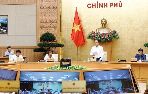 Thủ tướng: Không được để vỡ trận, không chủ quan chống Covid-19