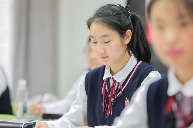 Trường học TQ bị chỉ trích vì nói nữ sinh mất trinh khó có chồng