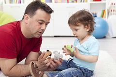 WHO: Trẻ được tiếp xúc với người cha 2 tiếng mỗi ngày sẽ có chỉ số IQ cao hơn