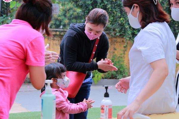 Phòng Covid-19: Trường mầm non đầu tiên khuyến cáo chăm sóc trẻ tại nhà