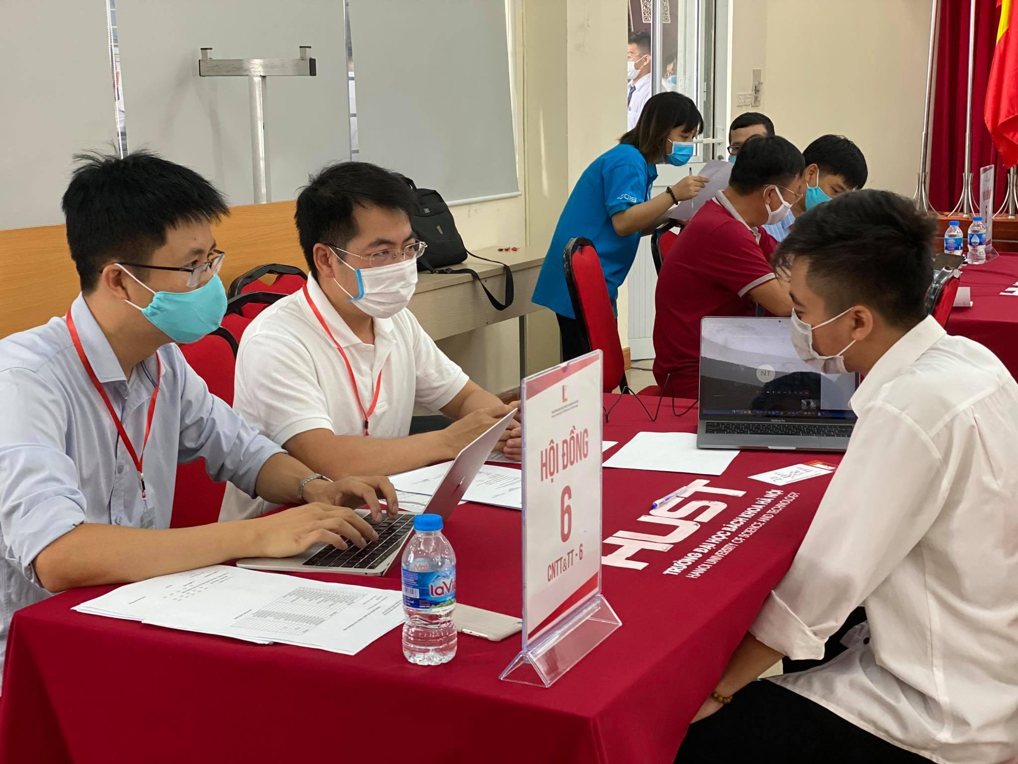 Trường Bách khoa phỏng vấn online hơn 500 thí sinh để xét thẳng vào Đại học