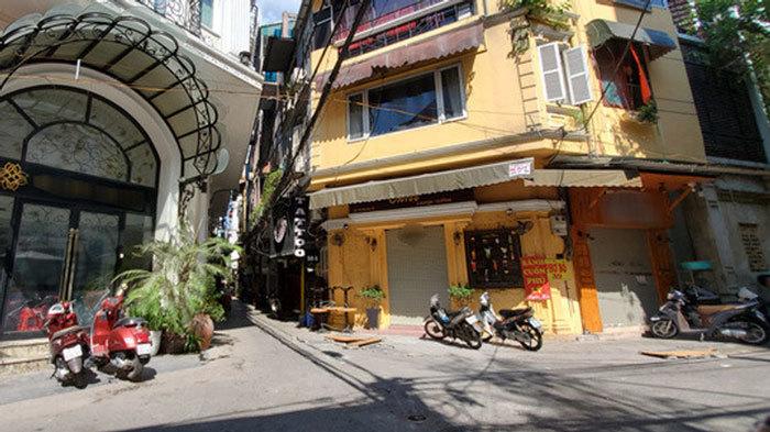 Gia sản trăm tỷ trên phố Hà Nội phủ bạt đầy bụi, ồ ạt thanh lý gấp