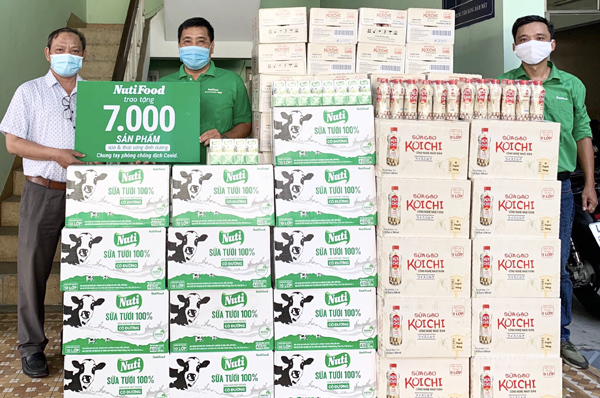 NutiFood tặng sữa và thức uống dinh dưỡng cho 3 bệnh viện ở Đà Nẵng