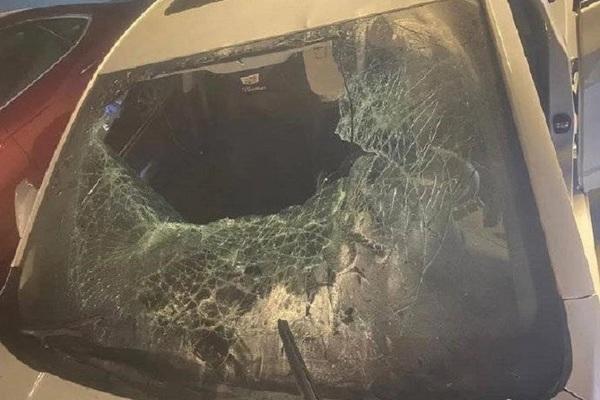 Cô gái phá hoại 9 chiếc ô tô để xả giận bạn trai