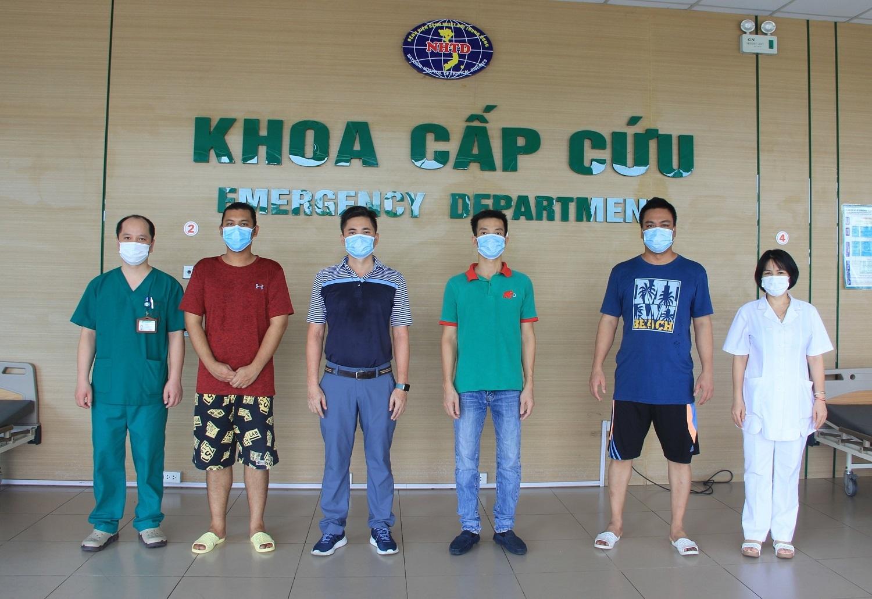 Thêm 4 nam giới mắc Covid-19 khỏi bệnh
