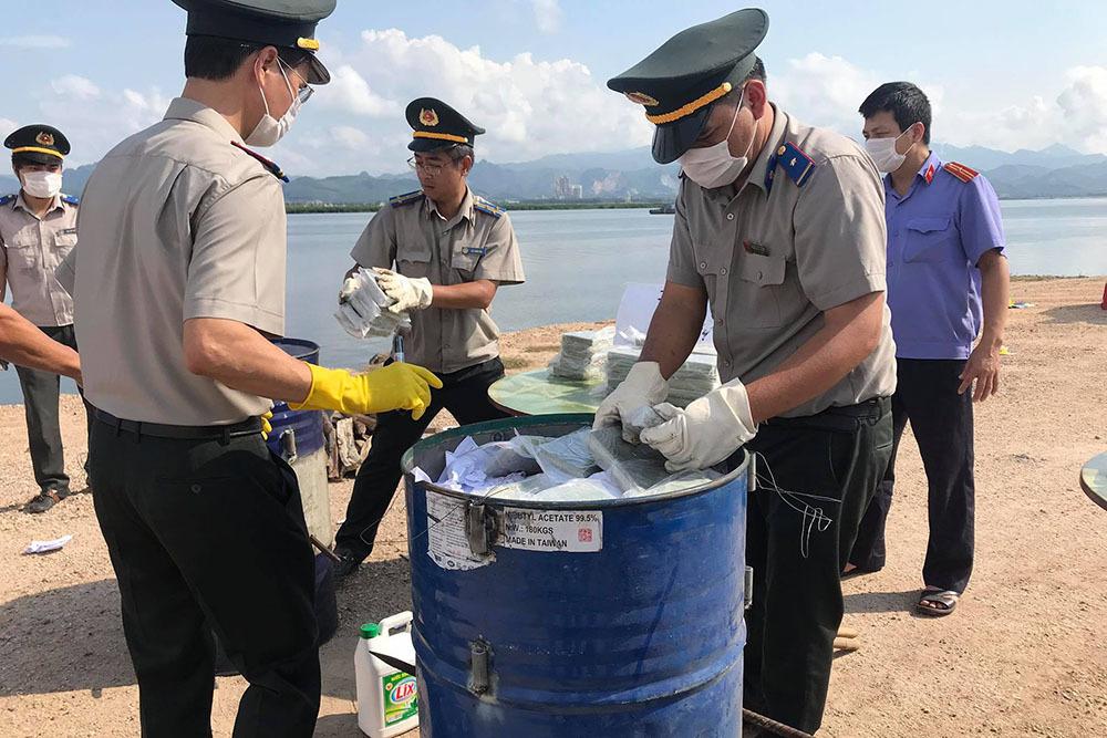 Quảng Ninh tiêu hủy 100 bánh heroin vận chuyển trái phép