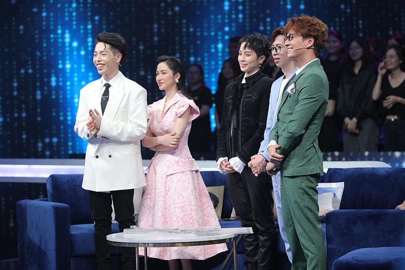'Người ấy là ai' tập 13: Hương Giang tiết lộ mới chia tay người yêu 3 tháng