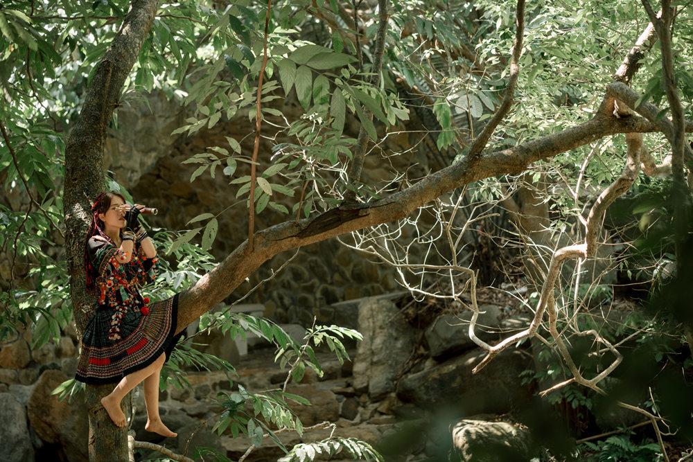 Phùng Khánh Linh tập nhảy 28 ngày cho cảnh quay trên đỉnh núi