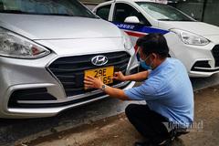 Ngày đầu đổi biển xe màu vàng: Thủ tục nhanh, gửi về tận công ty