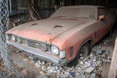 Ô tô bỏ hoang 47 năm bỗng chốc bán được gần 7 tỷ