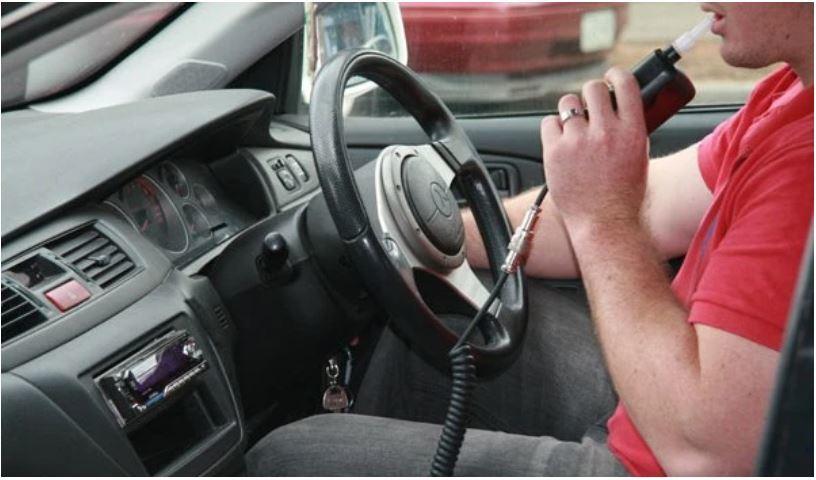 Đề xuất lắp máy đo độ cồn trên xe mới ở Nga