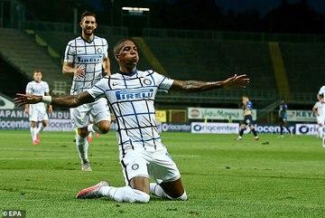 Cựu sao MU sáng rực, Inter giành vị trí thứ 2 Serie A