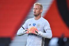 MU gây sốc chuyển nhượng, mua Kasper Schmeichel thay De Gea