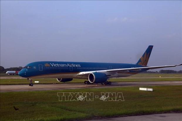 Vietnam Airlines adjusts flight schedules due to storm Sinlaku