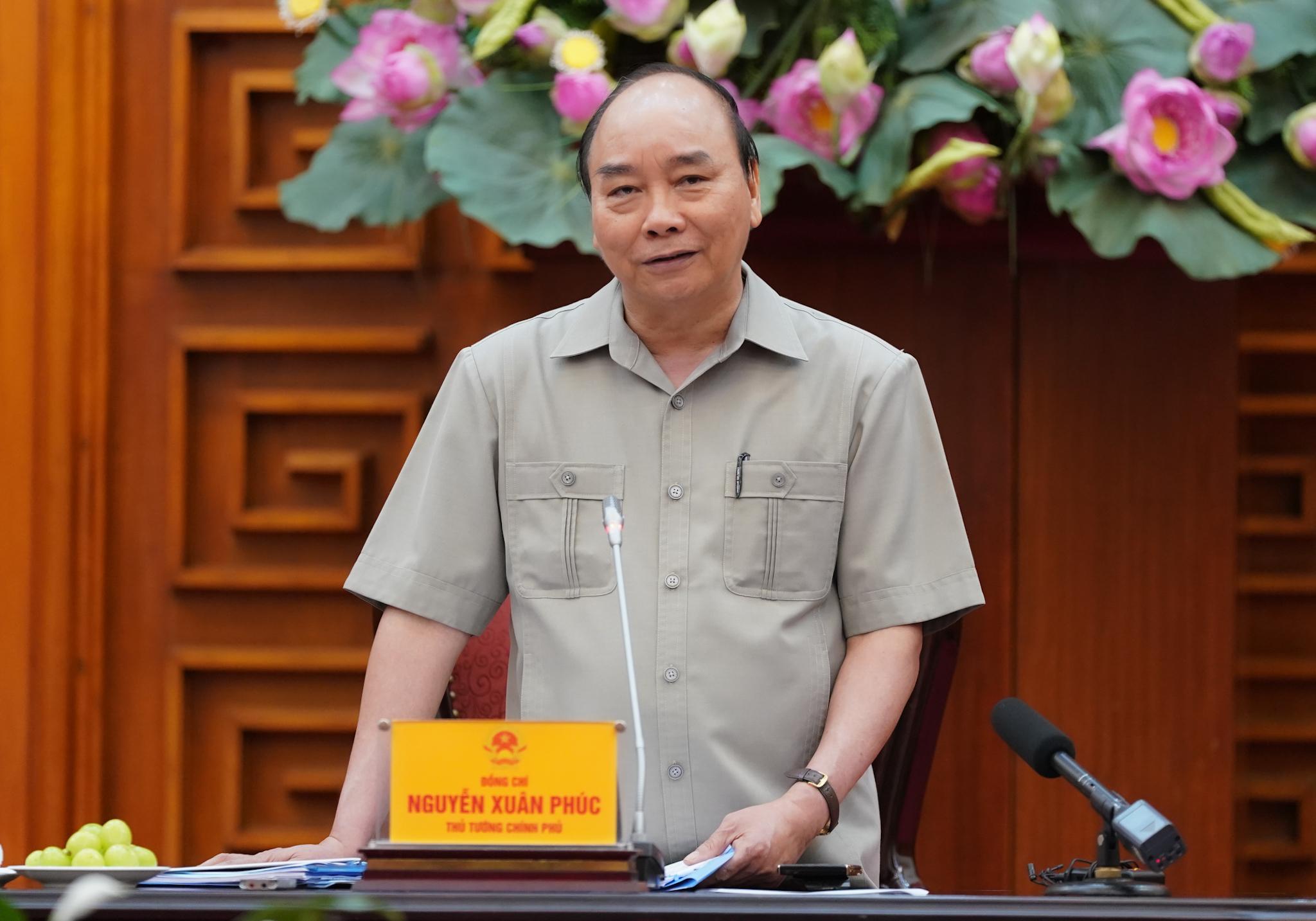 Thủ tướng Nguyễn Xuân Phúc: Mỗi gia đình là một pháo đài chống dịch
