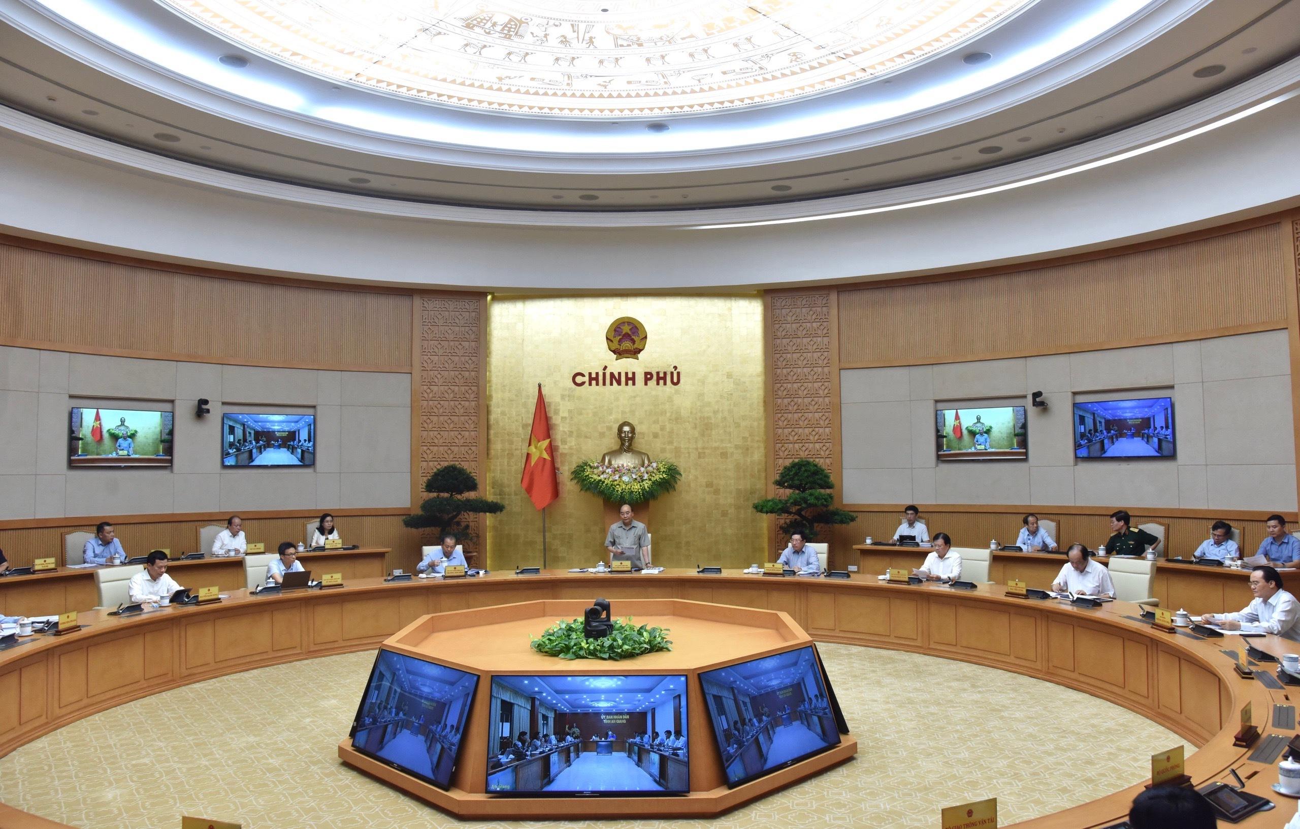 Thủ tướng đề nghị toàn dân cài đặt Bluezone để truy vết nhanh