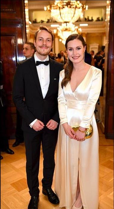 Thủ tướng Phần Lan yêu kiều trong bộ váy cưới
